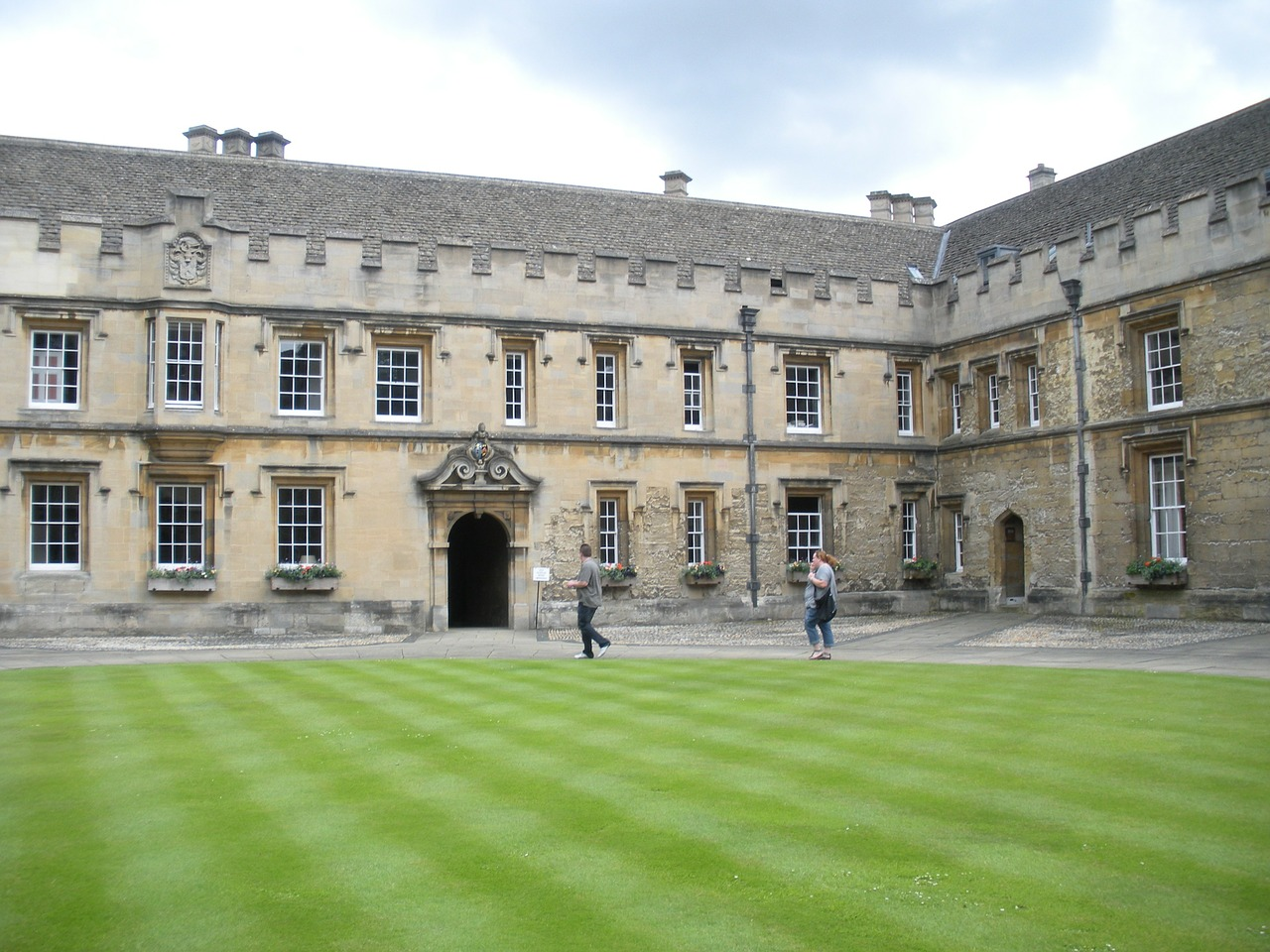 oxford-college-112840_1280