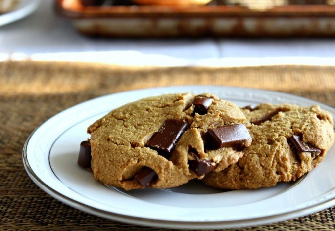 big-soft-paleo-chocolate-chunk-cookies-grain-free-dairy-free-with-nut-free-option-e1450376279538