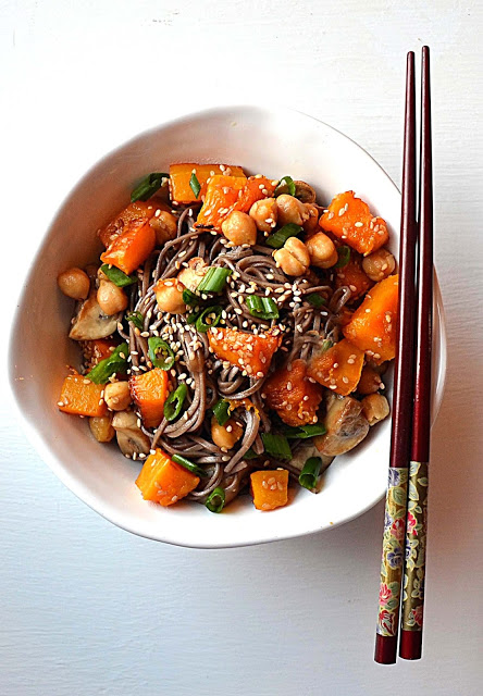 soba bowl with chickpeas