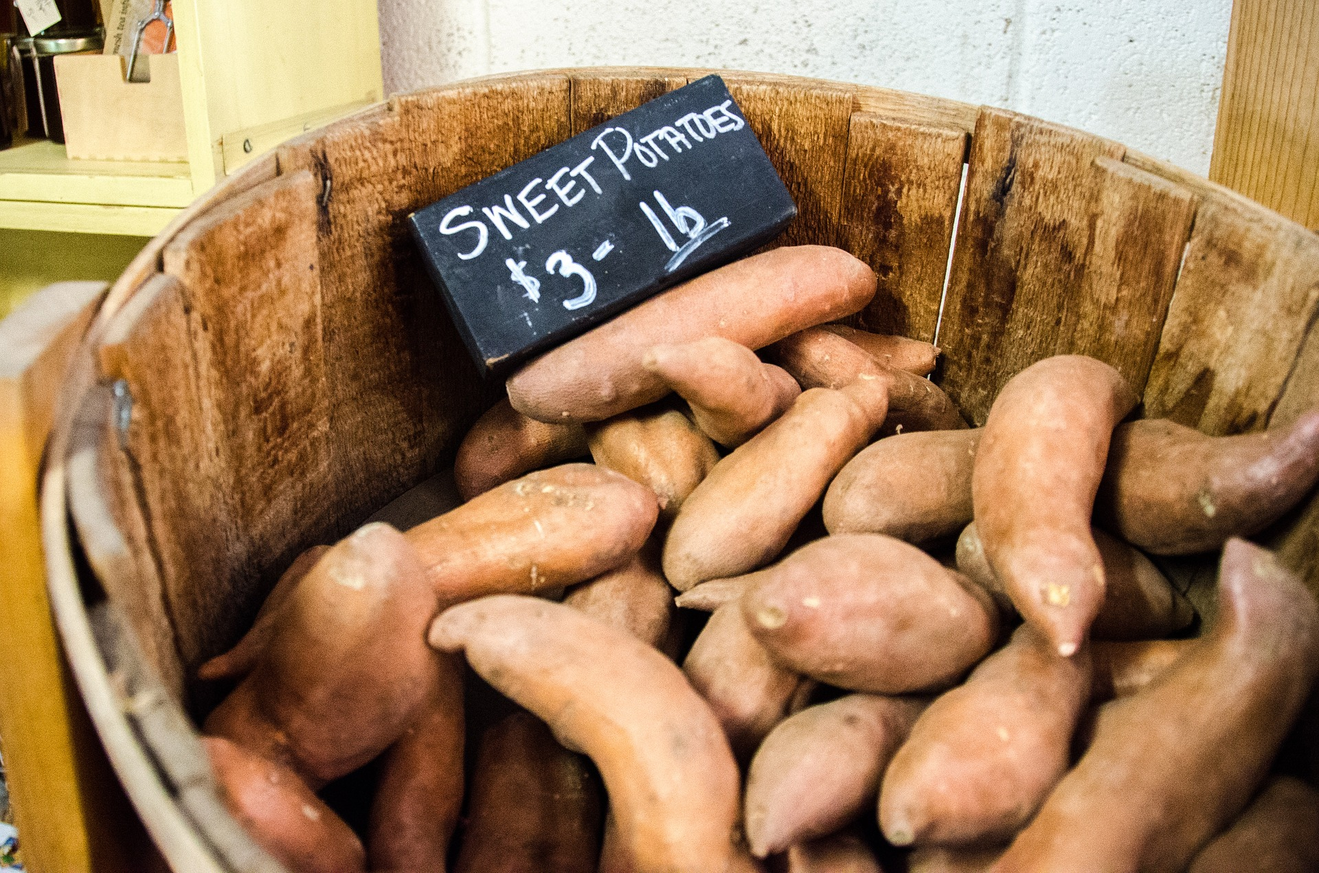 sweet-potatoes-912635_1920