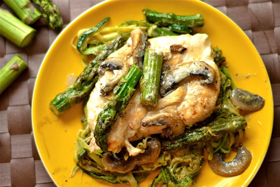 Creamy-Lemon-Chicken-with-Asparagus