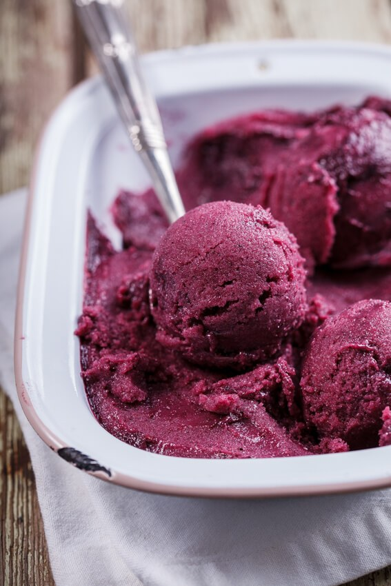 No-churn-vegan-berry-smoothie-ice-cream-4