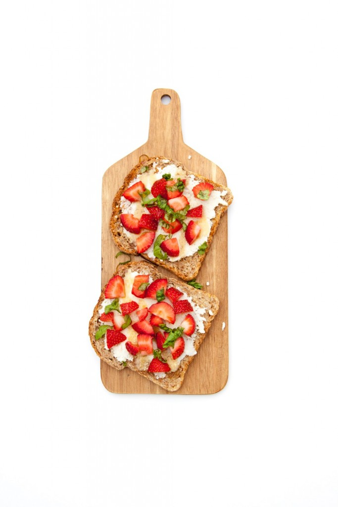 strawberry-basil-toast-1