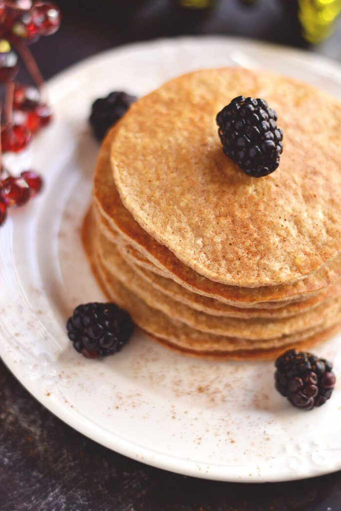 gingerbread-protein-pancakes-img1